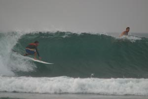 PERU SURF GUIDES - CARLO SURFEANDO